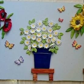 daisies-with-andalucian-blue-pot