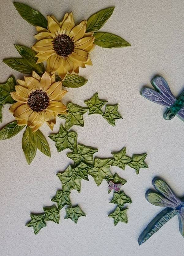sunflowers-with-dragonflies