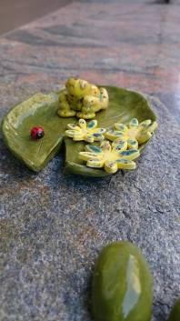frog-on-leaf