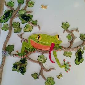 grapevine-and-frog